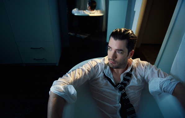 Picture bath, shirt, actor, Jonathan Silver Scott