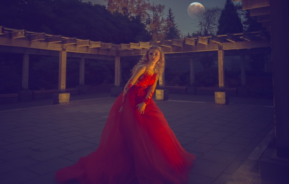 Picture pose, blonde, red dress