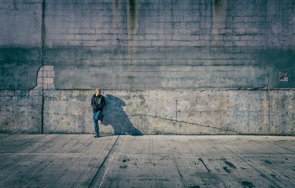 Picture wall, shadow, jeans, the hood, Nike, sunlight, city, teen