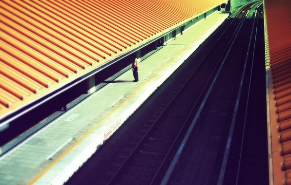Picture roof, people, the platform, Railroad