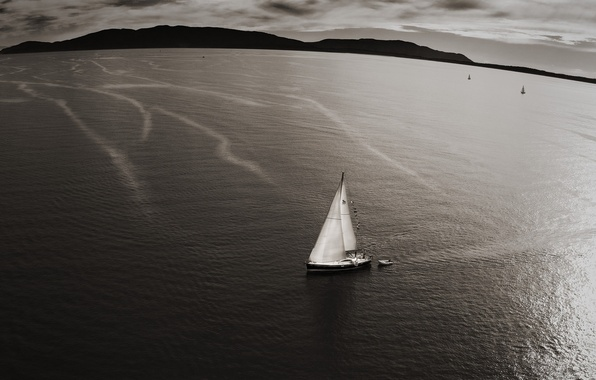 Picture sea, water, landscape, mountains, surface, view, color, yachts, dal, yacht, horizon, sail, from the height