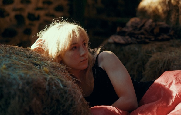 Picture girl, actress, the barn, blonde, hay, lies, Saoirse Ronan, Saoirse Ronan, How I Live Now