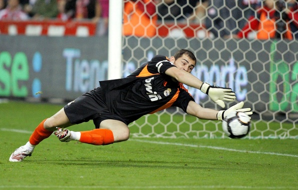 Picture football, the ball, goalkeeper, Real Madrid, Real Madrid, Iker Casillas, Iker Casillas