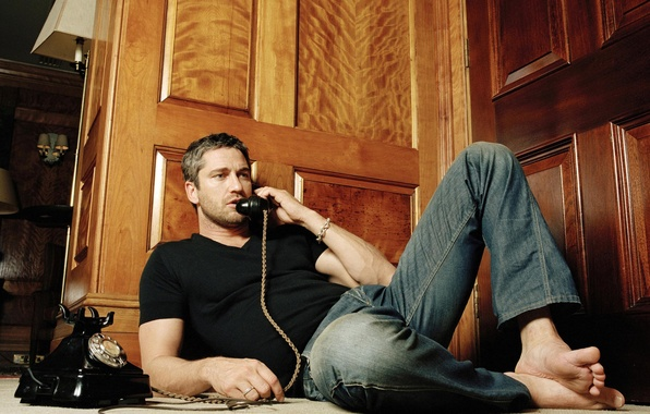Picture Wallpaper, star, jeans, Hollywood, wallpaper, old, phone, male, actor, the conversation, Gerard Butler, Gerard Butler, …