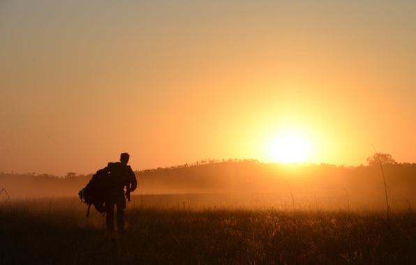 Picture field, morning, soldiers