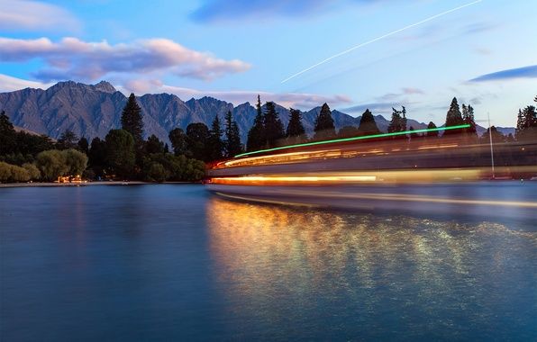 Picture water, light, mountains, boats, the evening, excerpt, New Zealand, Queenstown