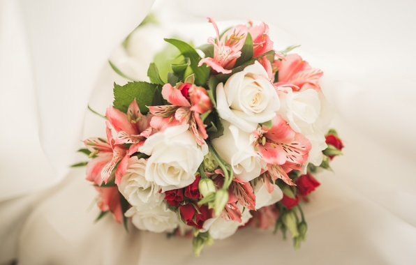 Photo wallpaper Alstroemeria, roses, bouquet