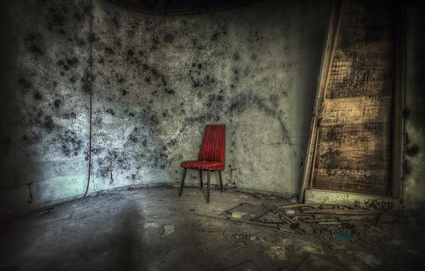 Picture room, the door, chair