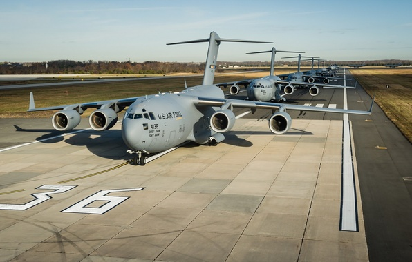 Picture the airfield, aircraft, C-17 Globemaster III