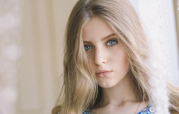 Wallpaper portrait look russian veronika kolteeva for Beautiful small teen