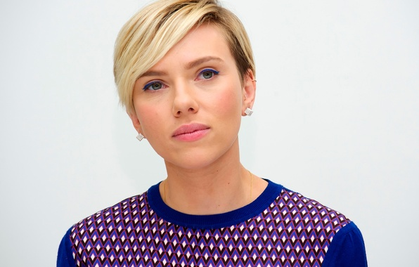 Picture Scarlett Johansson, press conference, The Avengers:Age Of Ultron