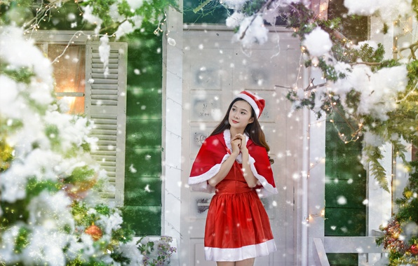 Picture girl, house, holiday, Christmas, costume, Asian
