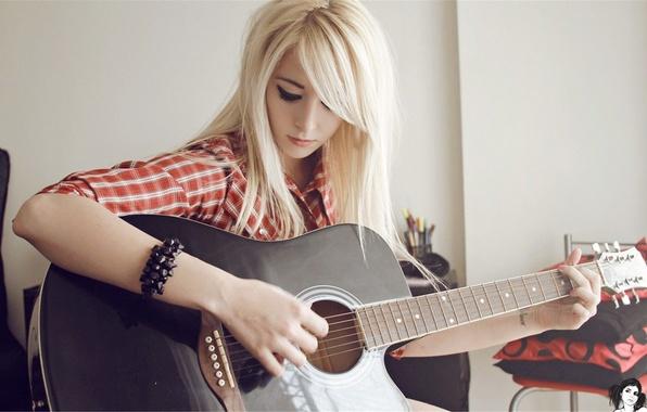 Picture Girl, Music, Look, Guitar, Blonde, Tattoo, Bracelet, Music, Shirt, Guitar, Girls, Blonde, Tattoo, Look, Shirt, …