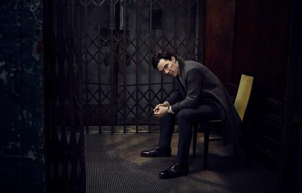 Picture chair, grille, photoshoot, Benedict Cumberbatch, Benedict Cumberbatch, Vanity Fair, Jason Bell