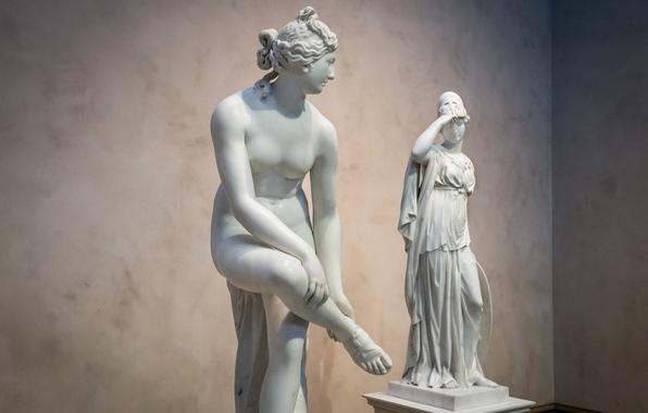 Picture women, Museum, sculpture, Athena