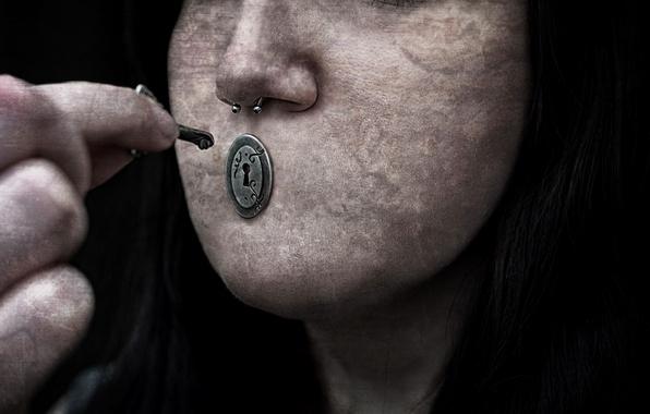 Picture key, lie, Secrets