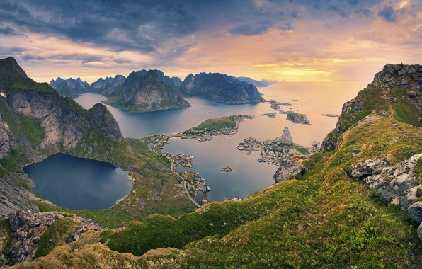 Picture sea, mountains, nature, home, slope, Norway, the village, The Lofoten Islands