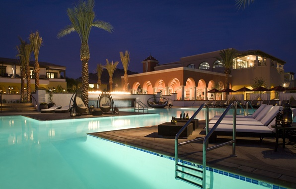 Picture night, house, palm trees, pool, lanterns, sunbeds