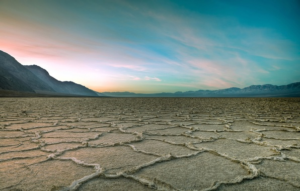 Picture clouds, desert, drought