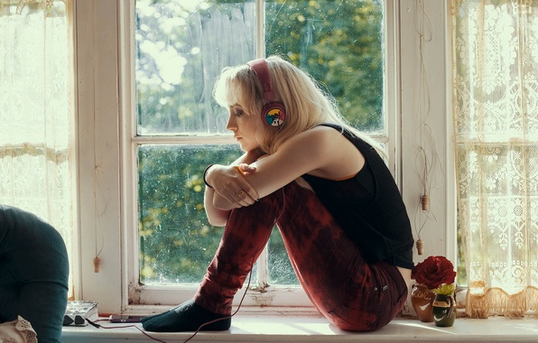 Picture headphones, actress, blonde, sill, Saoirse Ronan, Saoirse Ronan, How I Live Now