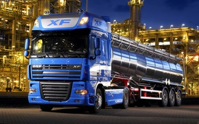 Picture the trailer, tractor, DAF, tank