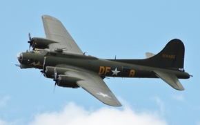 """Picture flight, bomber, four-engine, heavy, Flying Fortress, The """"flying fortress"""", Boeing B-17"""