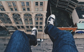 Picture roof, street, feet, height, sneakers, jeans, guy, on the edge