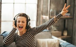 Picture headphones, joy, singing