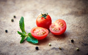 Picture tomatoes, tomatoes, bokeh