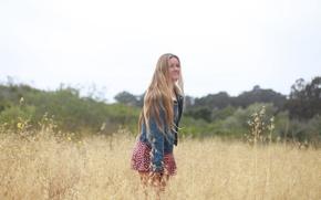Picture smile, face, dzhinsovka, hair, skirt, girl, field, summer