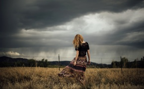 Picture field, autumn, the sky, girl