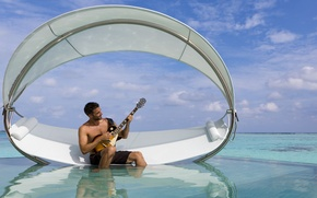 Picture guitar, pool, male