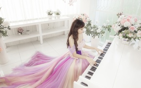 Picture girl, music, piano