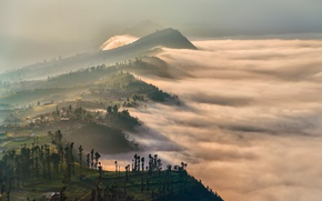 Picture clouds, light, mountains, fog, morning, the volcano, haze