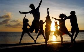 Picture sea, beach, mood, friends