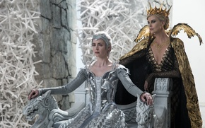Wallpaper Charlize Theron, crown, fantasy, Charlize Theron, the throne, Emily Blunt, Emily Blunt, Ravenna, Freya, The ...