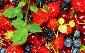 Picture berries, currants, cherry, BlackBerry, strawberry, leaves
