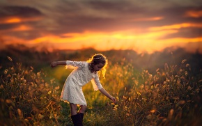 Picture field, sunset, space, girl