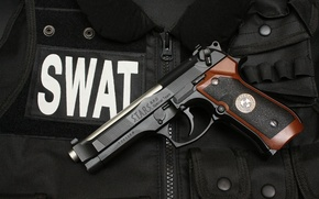 Picture gun, vest, SWAT, Beretta 92F S.T.A.R.S. Special