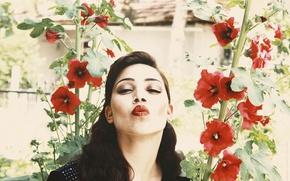 Picture girl, portrait, Kiss