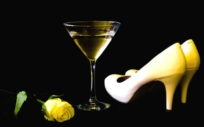 Wallpaper glass, rose, shoes, Martini