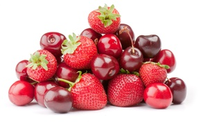 Picture berries, cherry, strawberry