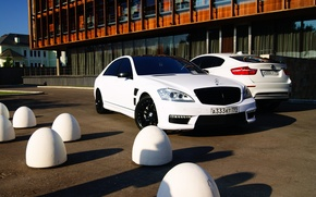 Picture auto, dream, machine, the building, bmw, BMW, Moscow, white, white, Mercedes, mersedes, s-class, chic, luxury
