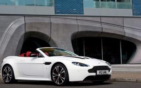 Picture machine, Aston Martin, Vantage, white
