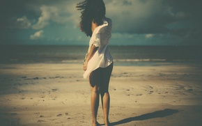 Picture girl, beach, wind, shadow