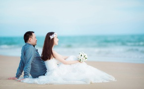 Picture sea, beach, bouquet, horizon, pair, the bride, wedding, the groom, a crown of flowers