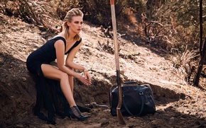Wallpaper nature, pose, model, makeup, figure, dress, actress, hairstyle, blonde, photographer, bag, shovel, photoshoot, January Jones, ...