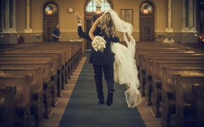 Picture dress, Church, the bride, veil, the groom, bears