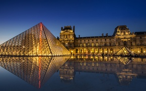 Picture light, night, reflection, Paris, The Louvre, pyramid