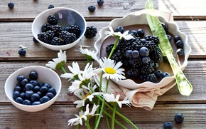 Picture flowers, berries, chamomile, pie, knife, BlackBerry, blueberries